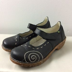 El Naturalista Black Leather Mary Janes Size 39